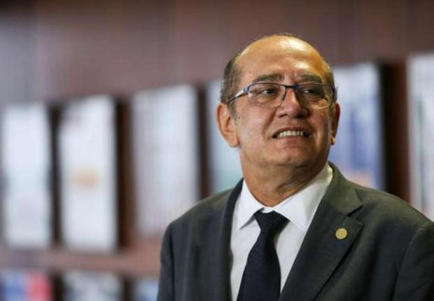 Gilmar discute PEC de tucanos sobre semipresidencialismo com Temer