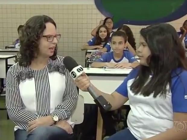 Professora dá dicas para quem quer participar do concurso Jornalista Mirim da TV Anhanguera em Goiânia Goiás (Foto: Reprodução/TV Anhanguera)