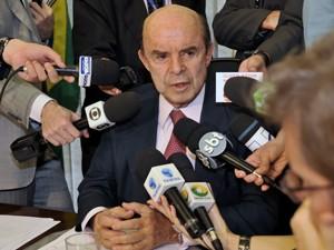 Senador Francisco Dornelles (PP-RJ) criticou a aprovação da emenda que muda a distribuição de royalties (Foto: José Cruz/ABr)