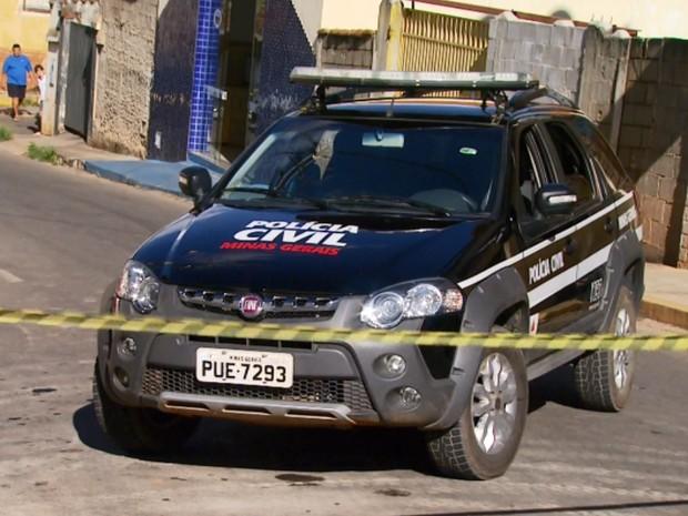 Assaltantes foram surpreendidos pela Polícia Civil durante assalto em Elói Mendes (Foto: Reprodução EPTV)