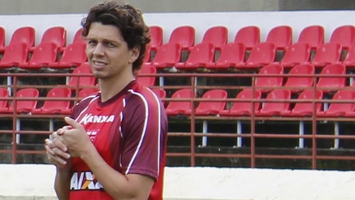 Danilo Bueno meia do CRB (Foto: Caio Lorena / GloboEsporte.com)