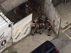 Câmera flagra fuga após invasão a agência bancária em Juiz de Fora