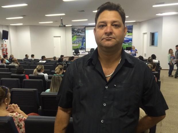Ronaldo Lourenço recebeu dois transplantes de órgãos, em Goiânia, Goiás (Foto: Vitor Santana/G1)