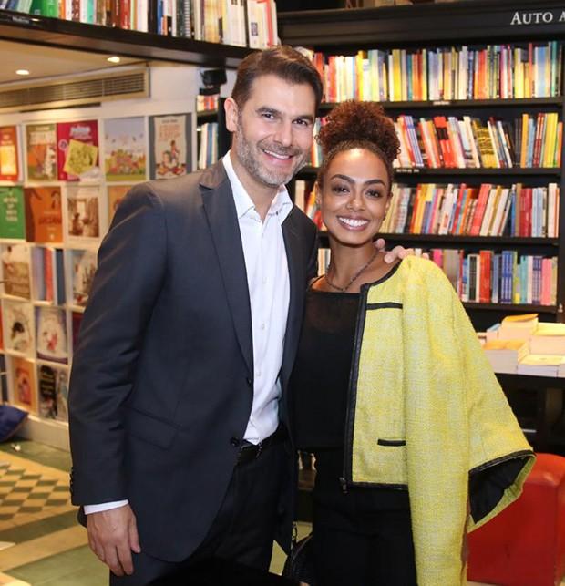 Dr Fernando Gomes Pinto e Dandara Mariana (Foto: AgNews)