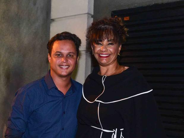 Solange Couto e o marido, Jamerson, em festa em São Paulo (Foto: Leo Franco/ Ag. News)