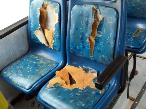 Unidade Regional do TCE em Prudente constatou bancos de ônibus danificados (Foto: TCE/Divulgação)