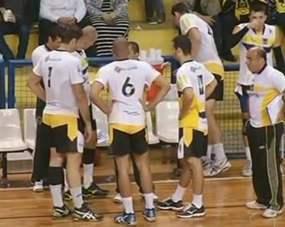 O time de vôlei de VR venceu o Botafogo em casa, na Ilha São João (Foto: Reprodução RJTV 1ª Edição)