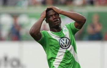 Malanda do Wolfsburg perde gol incrível contra Eintracht Frankfurt (Foto: Getty)