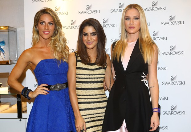 Giovana Ewbank, Camila Coelho e Fiorella Mattheis (Foto: Iwi Onodera / Ego)