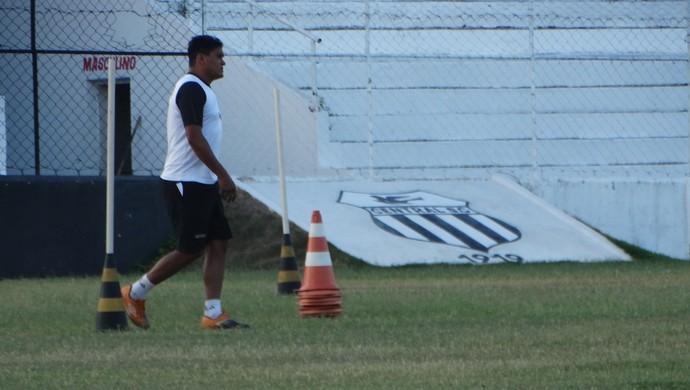 técnico humberto central (Foto: Lafaete Vaz / GloboEsporte.com)