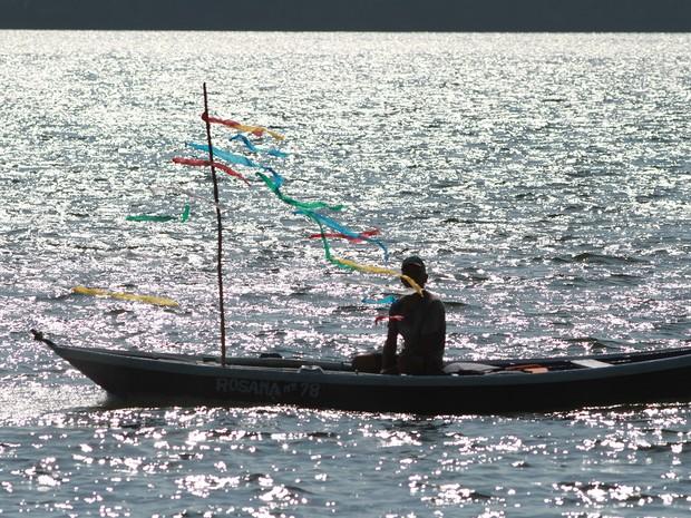 Busca dos mastros teve procissão fluvial, folia com cânticos religiosos e distribuição de tarubá. (Foto: Zé Rodrigues/TVTapajós)