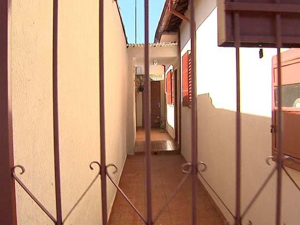 Casa onde idosa sofreu a violência em Ribeirão Preto (SP) (Foto: Reprodução/EPTV)