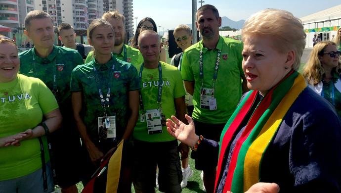 Dalia Grybauskaitė, presidente da Lituânia na Vila Olímpica (Foto: Diego Guichard)