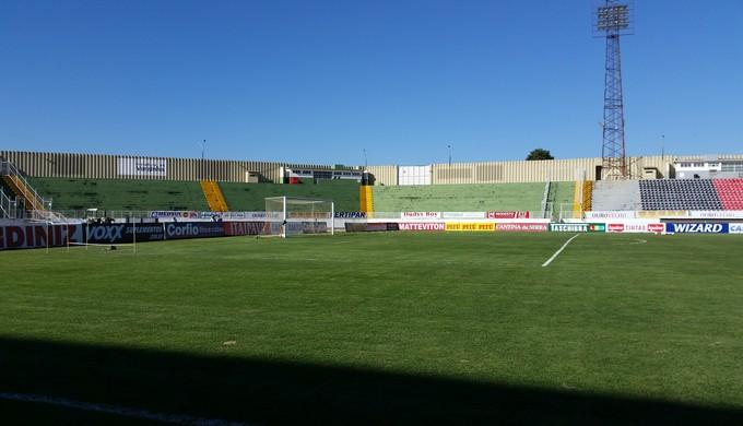 Boa Esporte e Atlético-GO começam o returno da Série B jogando no Melão, em Varginha (MG) (Foto: Régis Melo)