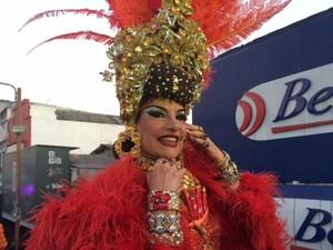 Juju Maravilha, a mais famosa cover de Carmen Miranda (Foto: Cristina Boeckel/G1)