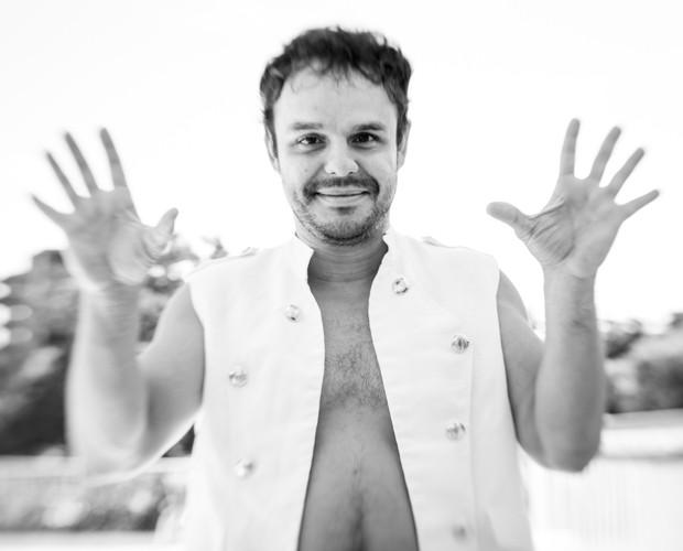 'Me considero um ser estranho, esquisito às vezes', confessa Adrilles (Foto: Felipe Monteiro / Gshow)