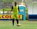 Para reforçar sistema defensivo, Santa Cruz contrata experiente Renato Silva