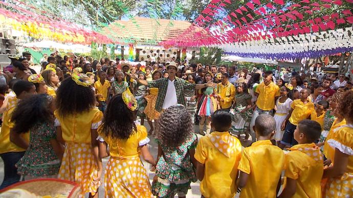'Aprovado' viaja a Cruz das Almas e conhece a primeira escola de forró da Bahia (Foto: TV Bahia)