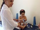 Perlla posta foto da filha Pérola indo a pediatra