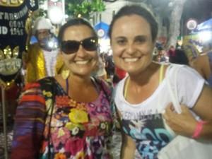 Foliões fazem de tudo para não perder o carnaval em Pernambuco (Foto: Danielle Carvalho/G1)