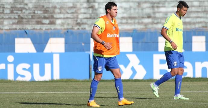 Giuliano no treino do Grêmio (Foto: Eduardo Deconto/GloboEsporte.com)