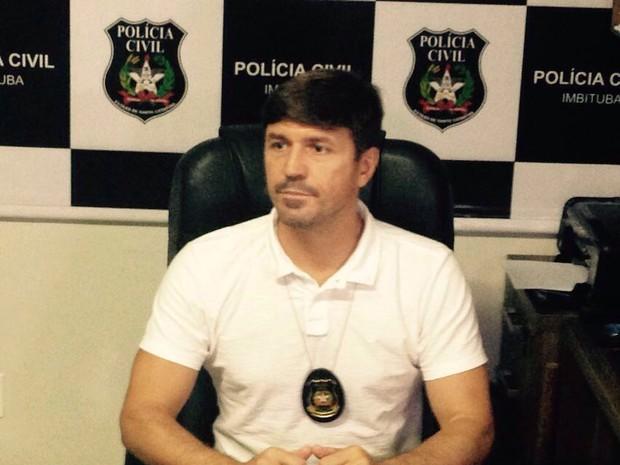 Delegado Raphael Giordani deu detalhes sobre a conclusão do inquérito nesta terça (26) (Foto: Manuela Prá/RBS TV)