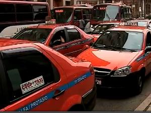 Táxis em Porto Alegre terão 90 dias para adotar pagamento com cartão (Foto: Reprodução / RBSTV)
