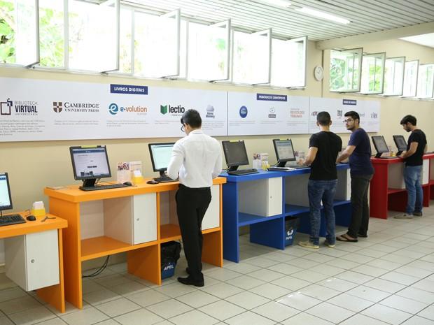 A Biblioteca da Unifor também oferece treinamento para apresentar as fontes de informação aprimorando a pesquisa científica (Foto:  Ares Soares/Unifor)