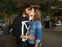 Lollapalooza: Chay Suede e Laura Neiva se beijam no festival