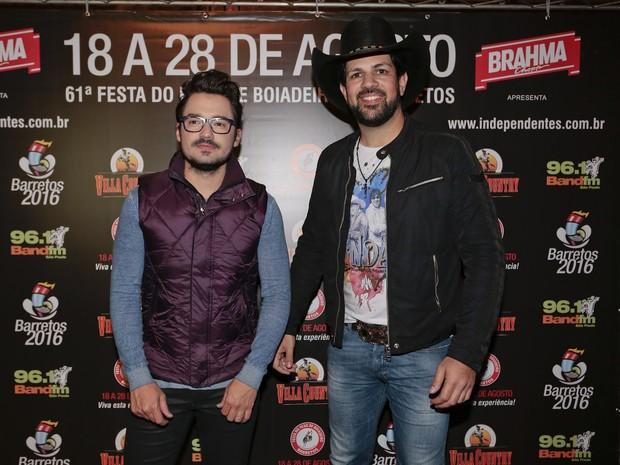 Fernando e Sorocaba em show em São Paulo (Foto: Rafael Cusato/ Brazil News)