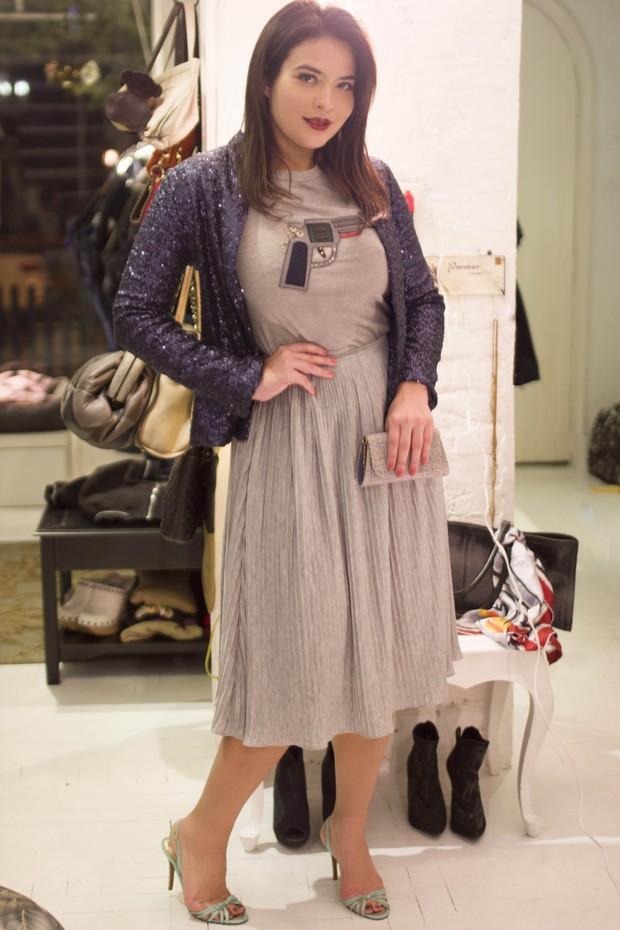 58e778ff3 EGO - Geisy Arruda investe em acessórios em looks para usar de dia e ...
