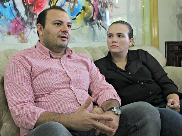 Larissa e o irmão, Bruno Pires, relembraram o acidente (Foto: Jamile Alves/ G1 AM)