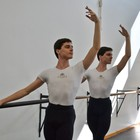 Família se muda para realizar sonho de gêmeos (Escola do Teatro Bolshoi no Brasil/ Divulgação)
