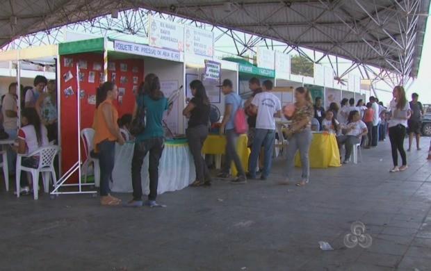 Aproximadamente 500 alunos de 29 escolas de Roraima participam da Feira (Foto: Bom Dia Amazônia)