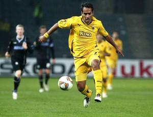 Roger Guerreiro no AEK Atenas (Foto: Reprodução / Facebook Oficial)