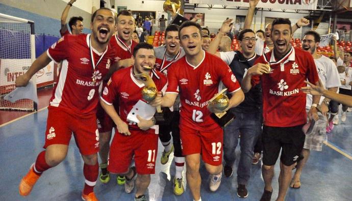 Sorocaba leva taça da Liga Paulista de futsal (Foto: Reprodução/Twitter)