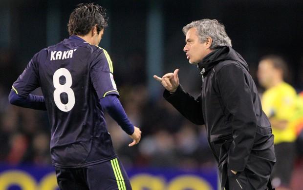 Kaka e Mourinho, Real Madrid x Celta (Foto: AP)