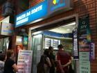 Ganhador da Mega retira prêmio em Porto Alegre, e lotérica celebra 'sorte'