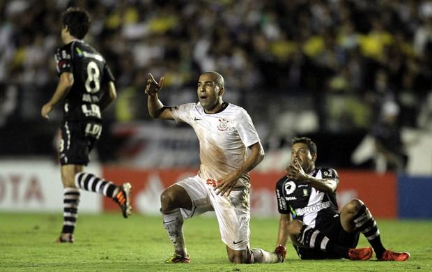 Emerson Sheik Corinthians x Vasco (Foto: Alexandre Cassiano / Agência O Globo)