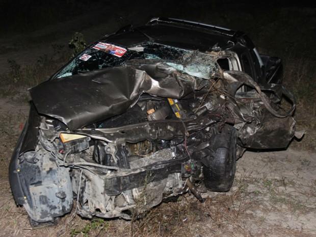 Quatro pessoas morreram e duas ficaram feridas em acidente na BA-409 (Foto: Raimundo Mascarenhas / Site Calila Noticias)