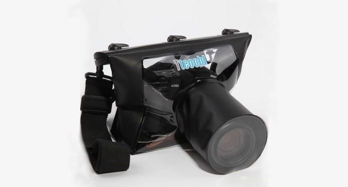 Capa protetora para mergulhar câmera SLR na água l(Foto: Divulgação/Tteoobl)