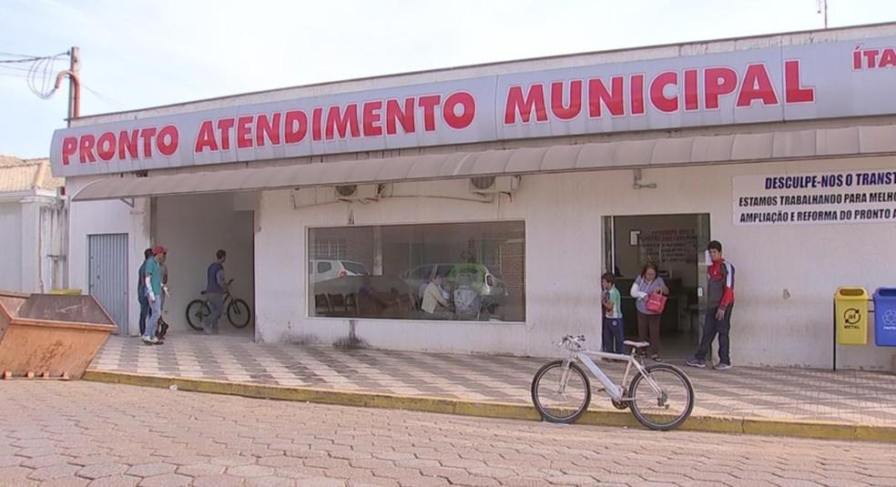 Funcionários de saúde informaram 20 casos de virose em Bur; já secretario de saúde, diz que foram apenas nove casos (Foto: Reprodução/TV TEM)