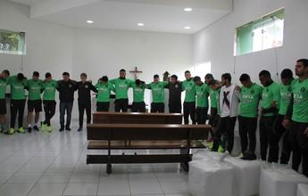Reapresentação do Coritiba é marcada por homenagem; treinos são mantidos