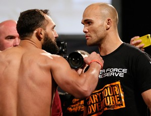 MMA Pesagem UFC 171 - Johny Hendricks e Robbie Lawler (Foto: Getty Images)