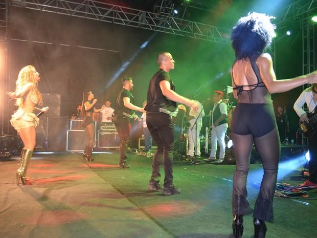 Joelma durante primeira apresentação em carreira solo (Foto: John Pacheco/G1)