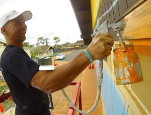 SURF - Artista Brasileiro Pinta Maior Mural De Surf Do Mundo No Havaí -  Artista Hilton Alves (Foto: Arquivo Pessoal)