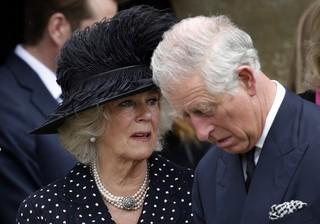 Camila Parker e príncipe Charles (Foto: Adrian Dennis/AFP)