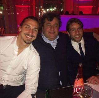 Ibrahimovic com seu agente, Mino Raiola, e Maxwell (Foto: Reprodução/Instagram)