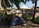 Grupo contra impeachment acampa no Largo da Batata, em SP