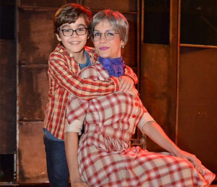 Xande Valois contracena com a mãe em musical (Foto: Arquivo pessoal)